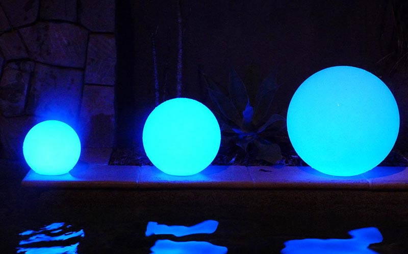 LED Glowing spheres